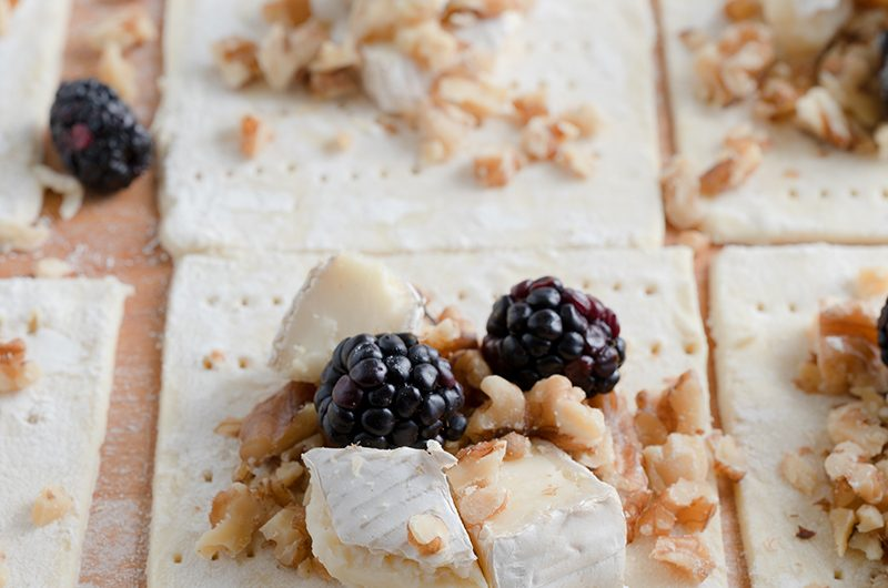 Puff Pastry Brie Bites with Blackberry, Walnuts & Honey
