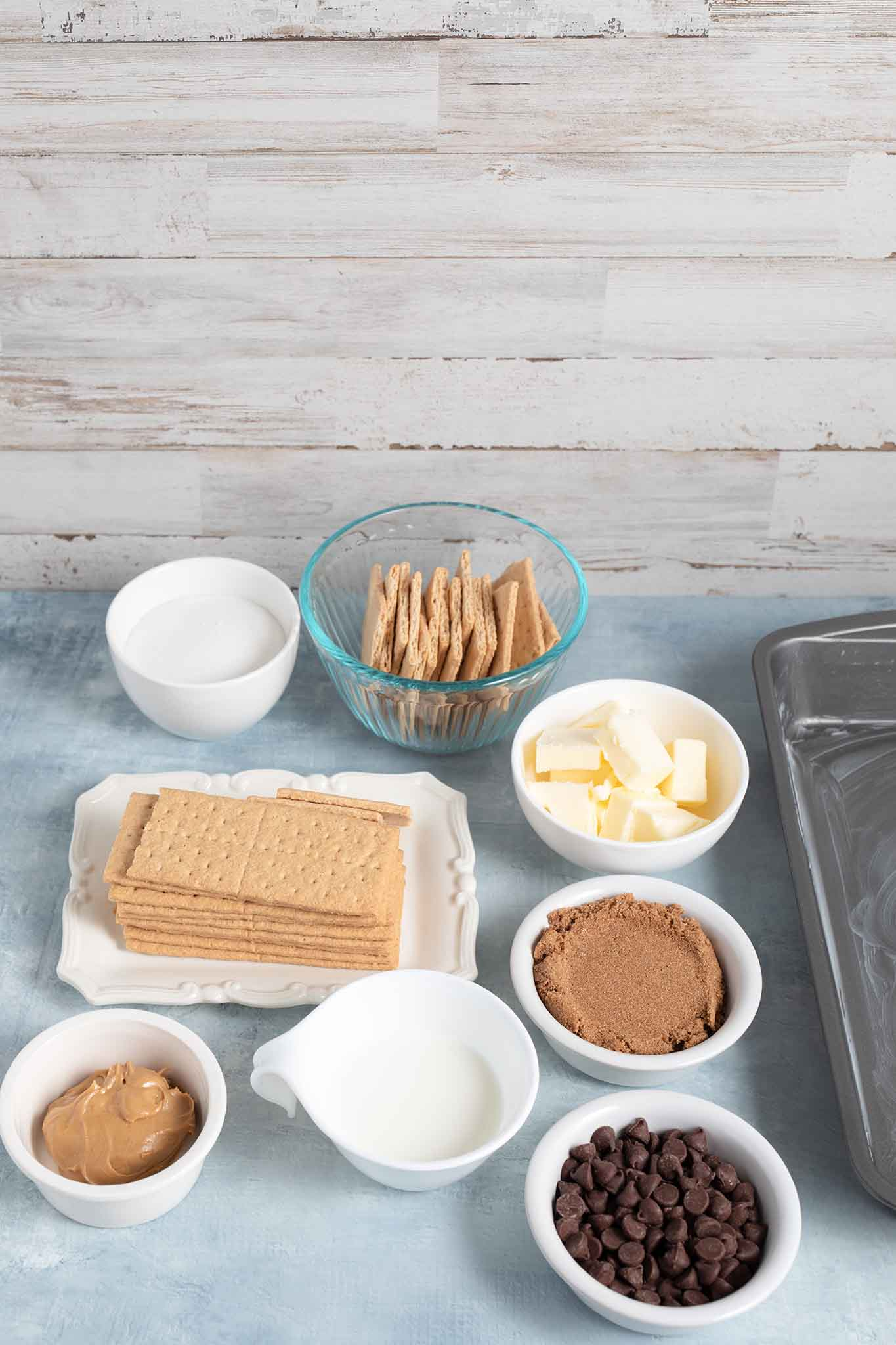 ingredients for no-bake bars